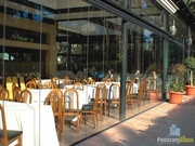 Безрамное остекление ресторанов,  кафе,  беседок,  балконов и лоджий