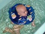 Круг - воротник Baby Swimmer  для купания деток от 0 до 2х лет
